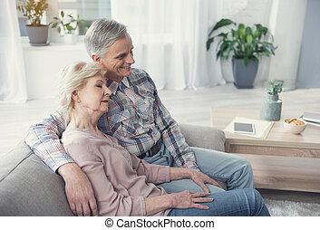 gepensioneerden, thuis, het genieten van, kalm, comfort