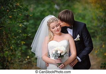 gerecht, paar, verheiratet, -, junger, hochzeitstag, glücklich