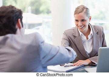 gerente, macho, candidato, entrevistar