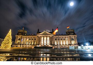 Germany. Bundestag in Berlin on Christmas night