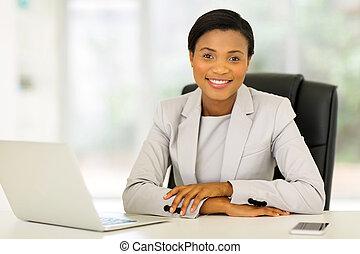 geschäftsfrau, amerikanische , afro, buero, arbeitende
