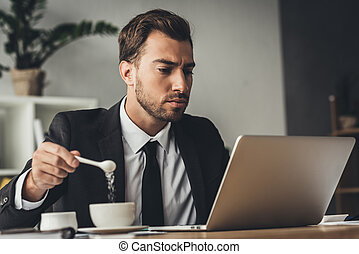 geschäftsmann, addierzucker kaffee