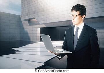 geschäftsmann, laptop, gebrauchend