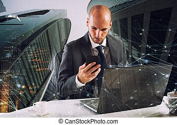 geschäftsmann, laptop, smartphone, arbeiten