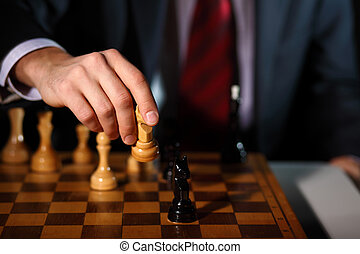 geschäftsmann, spielenden schach