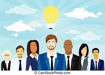 geschäftsmenschen, gruppe, idee, begriff, glühlampe