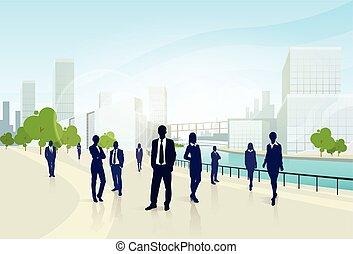 geschäftsmenschen, gruppe, stadt, landschaftsbild, bürogebäude