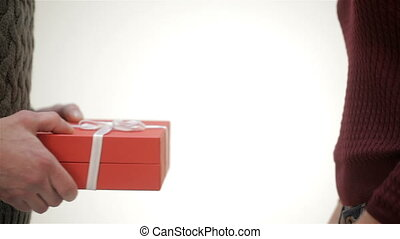 geschenk geben, auf, hände, schließen, m�dchen, mann