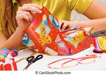 geschenke, verpackung