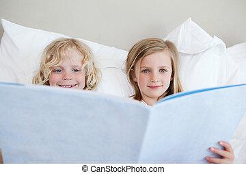 geschichte, bruder, schlafenszeit, lesende , schwester
