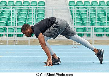 gespierd, atleet, jonge, het bereiden, sprint