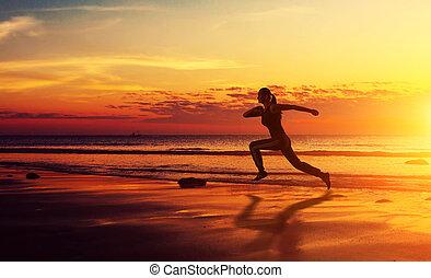 gesunde, rennender , frau, sonnenuntergang, fitness