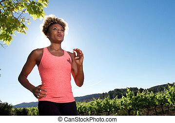 gesunde, schwarze frau, jogging