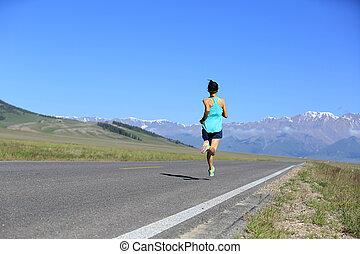 gesunder lebensstil, junge frau, läufer, rennender , auf, spur