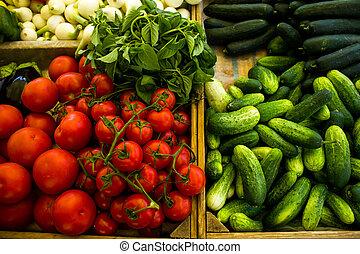 gevarieerd, groentes, in, dozen, op, markt