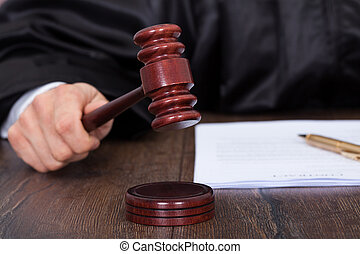 geven, het slaan, rechter, vonnis, slaghamer