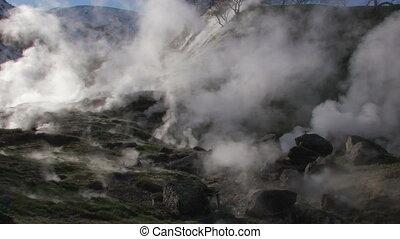 Geysir erupting