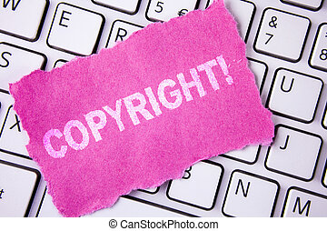 gezegde, foto, intellectueel, kleverig papier, auteursrecht, nee, piraterij, schrijvende , aantekening, geschreven, conceptueel, witte , call., zakelijk, het tonen, motivational, hand, keyboard., traan, geplaatste, showcasing, eigendom