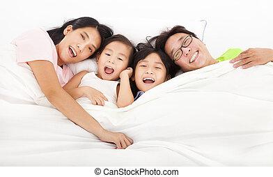 gezin, bed, vrolijke