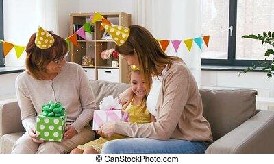 gezin, groet, jarig, thuis, partij meisje