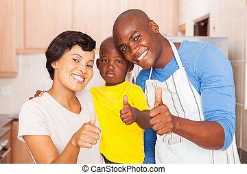 gezin, het opgeven, jonge, duimen, afrikaan