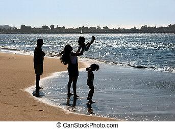 gezin, op het strand