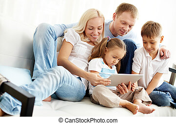 gezin, op, sofa