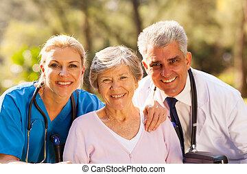 gezondheidszorg, werkmannen , en, senior, patiënt