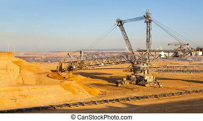 Giant Bucket Wheel Excavator Timelapse