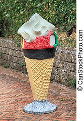 giant ice cream cone statue