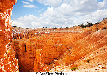 Giant natural amphitheaters of Bryce Canyon, Utah