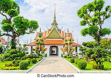 Giant statue in wat arun bangkok thailand