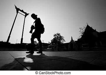 Giant swing tourist