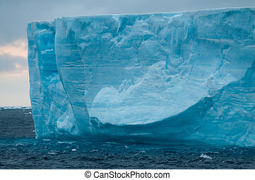 Giant Tabular Iceberg in the Anarctic Weddell Sea