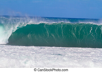 Giant Wave Break in Hawaii - Large waves break off the north...
