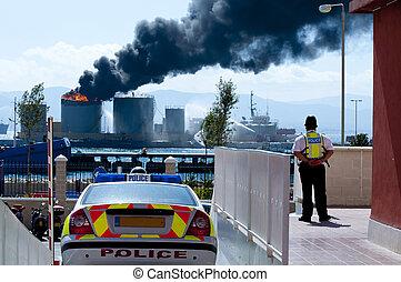 gibraltar, tanque gasolina, explosão