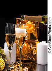 gieten, feestelijk, champagne, in, bril