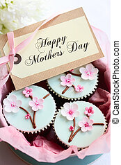 Gift box of Mother's day cupcakes