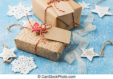 Gift box with stars and crocheted snowflakes - Gift box with...