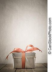 Gift Box with Vintage Effect - A gift box with closed lid,...