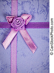 Gift ribbon on box - Pink gift ribbon and bow on present