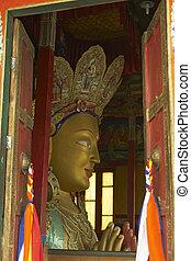 gigante, dorado, buddha