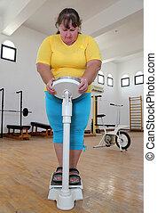 gimnasio, mujeres, sobrepeso, escalas