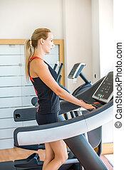 ginásio, mulher, acoplado, treadmill