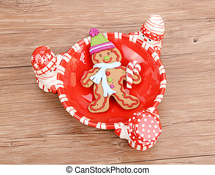 Gingerbread cookie in bowl