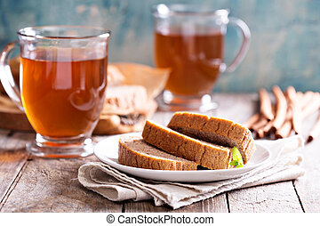 Gingerbread loaf cake with hot tea - Gingerbread warm and...
