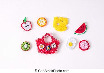 giocattoli, in, il, forma, di, cibo, e, frutte, mano fece, di, feltro, su, uno, bianco, fondo., mano, cucito