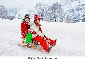 gioco, bambini, inverno, cavalcata, snow., sleigh, bambini