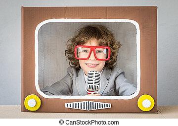 gioco bambino, con, cartone animato, tv
