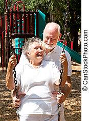 gioco, coppia, anziano